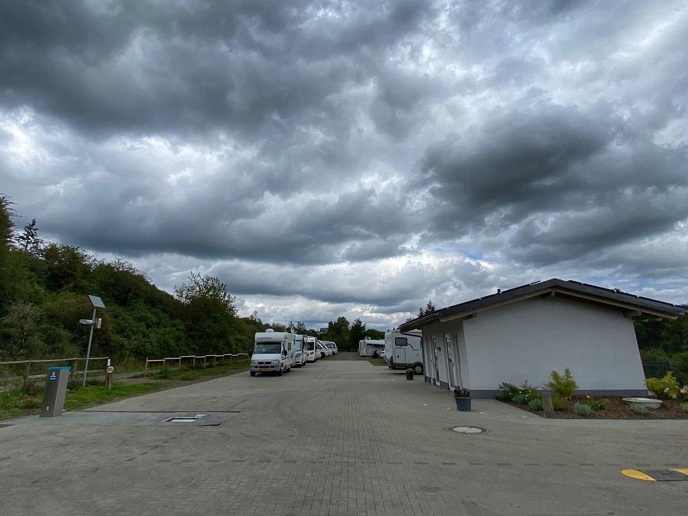 Wohnmobilpark Vulkaneifel mit Dachzelt